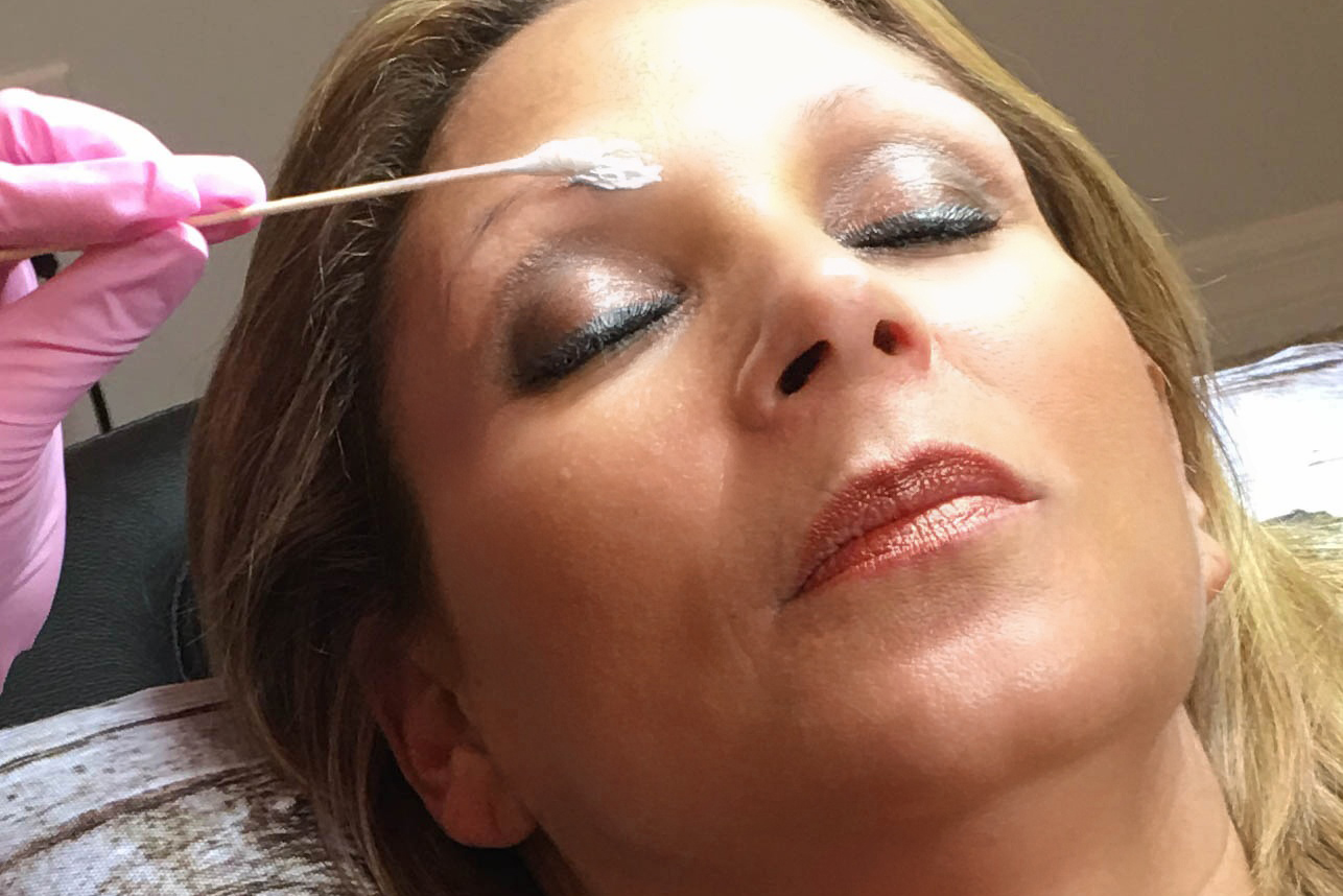 Microblading in Orlando Topical Anesthesia for Numbing