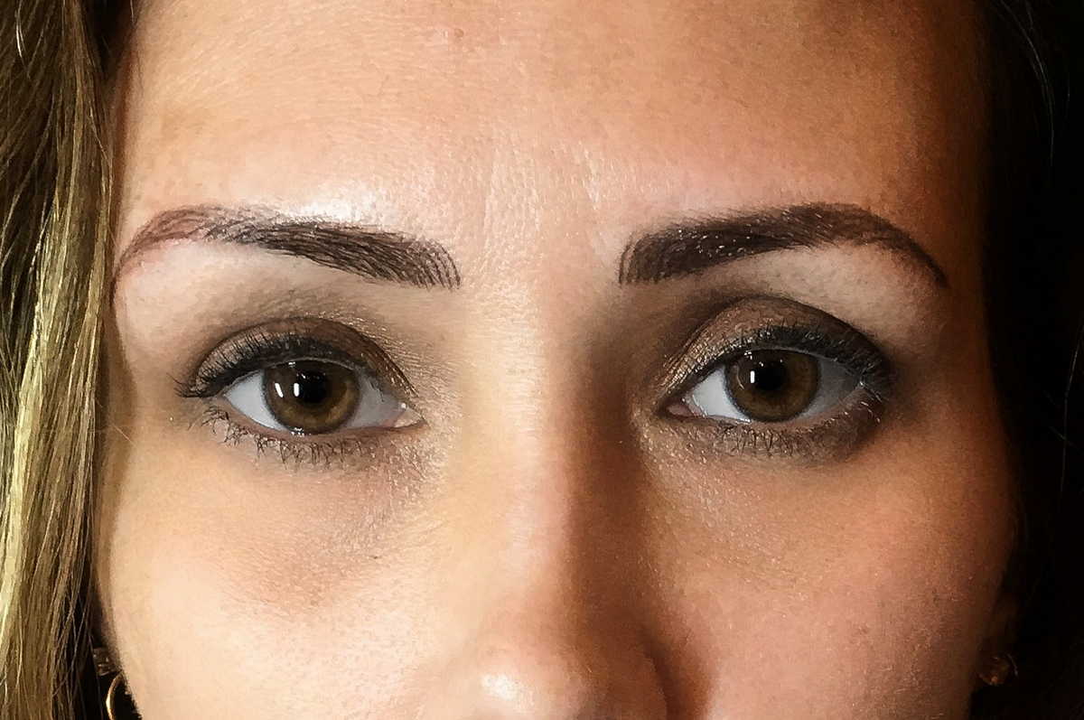 closeup eyebrows after microblading