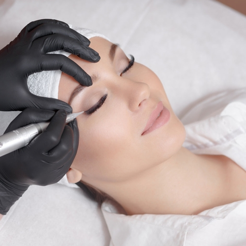 Blooming beauty permanent eye liner procedure