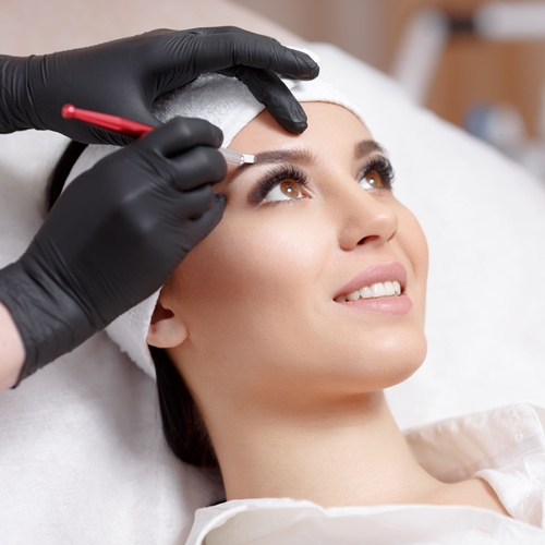 Permanent makeup procedure different angle